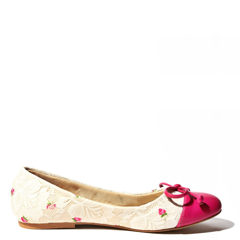 0d265dcb2a7a resized-shoes-07-3e.png